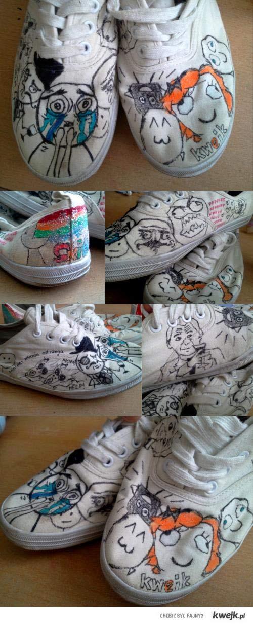Wystarczą stare buty,mazak i trochę wyobraźni <3