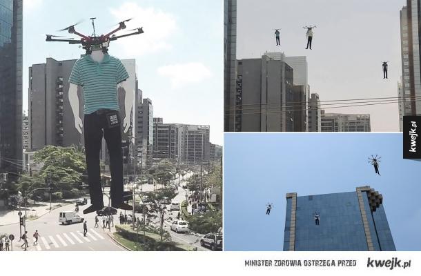Manekiny na dronach reklamujące markę odzieżową