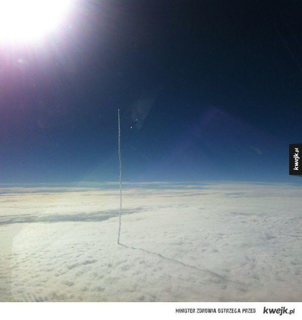 Rakieta opuszcza ziemską atmosferę