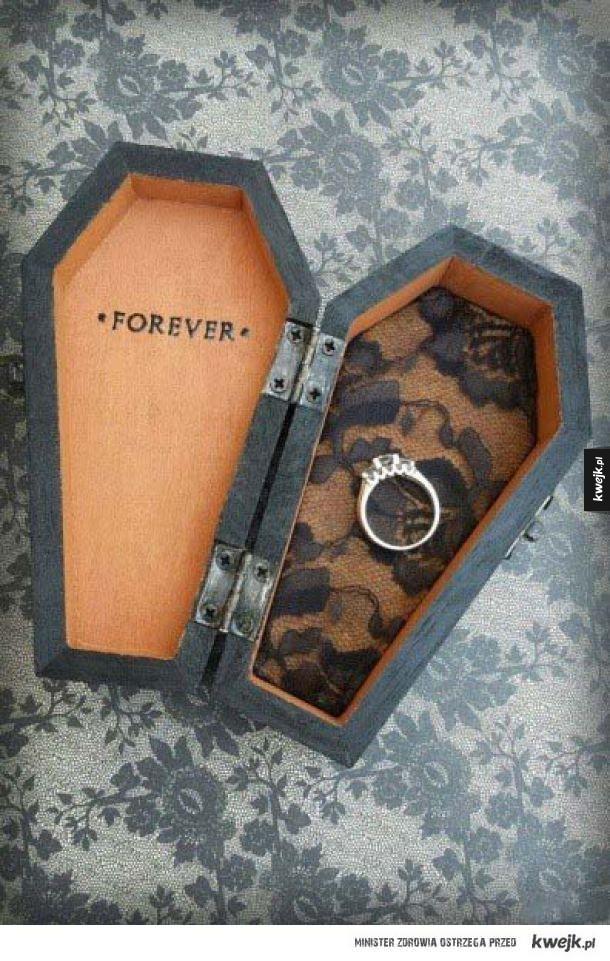 Wymowne pudełko na pierścionek
