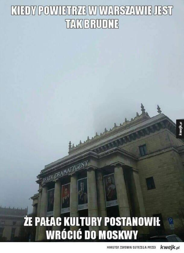 Pałac się wypiął