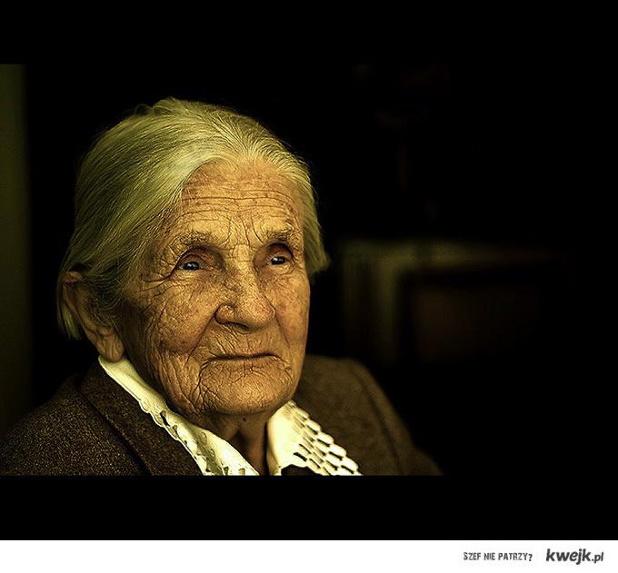 Moja babcia przeżyła II wojne światową ... A ja przeżyłem Koniec świata ... KOT!!!