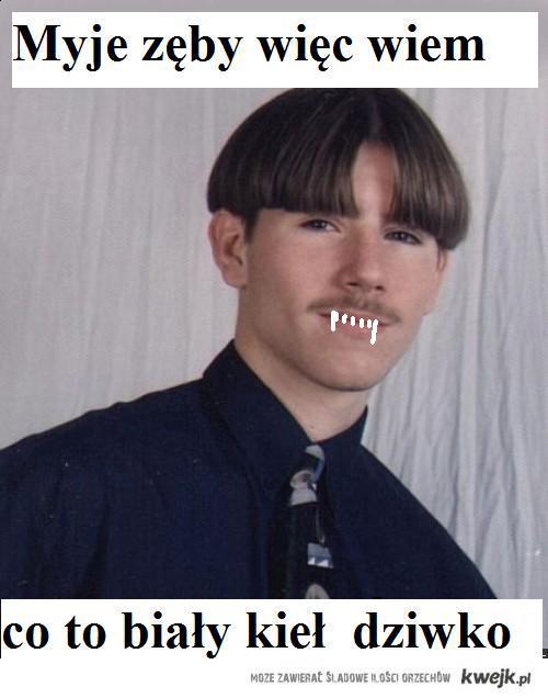 Myje zęby