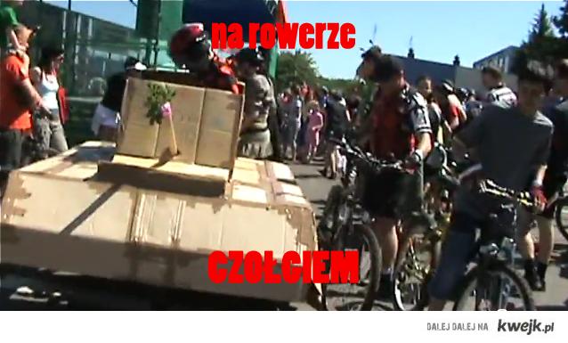 na rowerze czolgiem