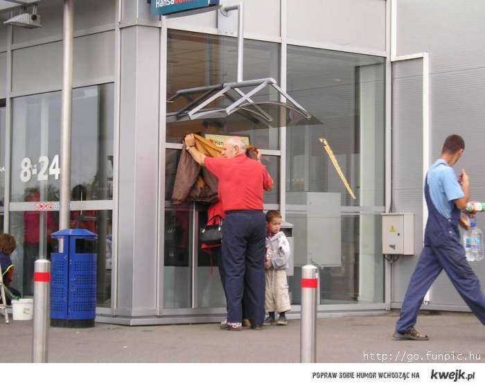 Bankomat - Przezorny zawsze zabezpieczony ;)