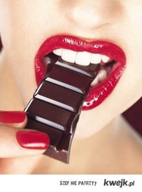 red lips & chocolate