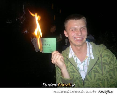spalił.... :D