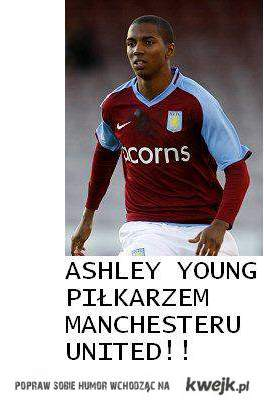 A. Young - piłkarzem MU