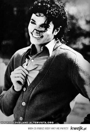 W 2 rocznicę śmierci złóż hołd Michaelowi Jacksonowi i wstaw to na fejsa . [*] King Of Pop.!