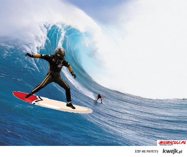 Nick surfuje