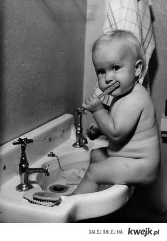 adorable-baby-brushing-teeth