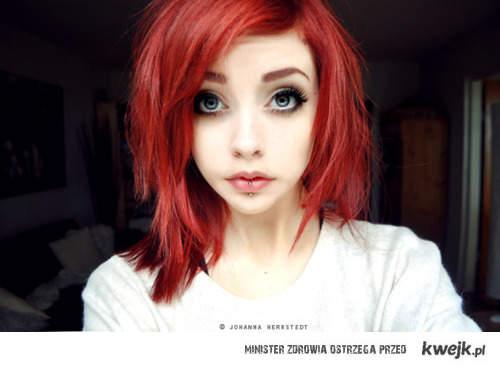 czerwonowłosa