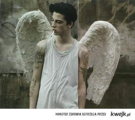 kocham upadłe anioły <3