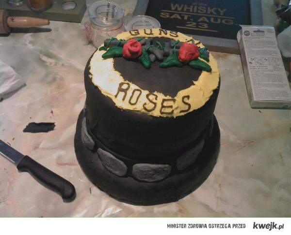 GN'R cake