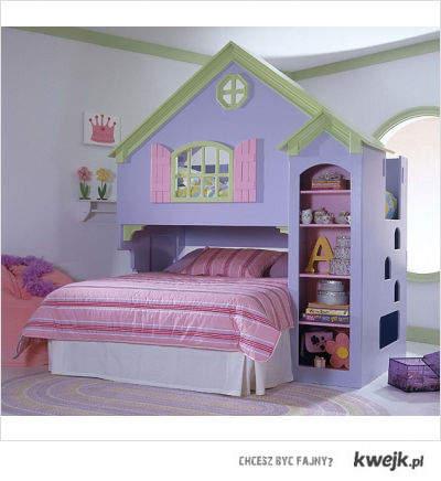 ja spie na gorze w tym domku!