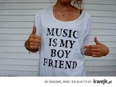 love music<3