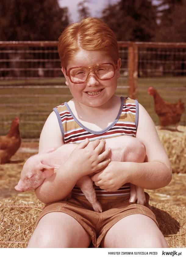 chłopiec ze świnką