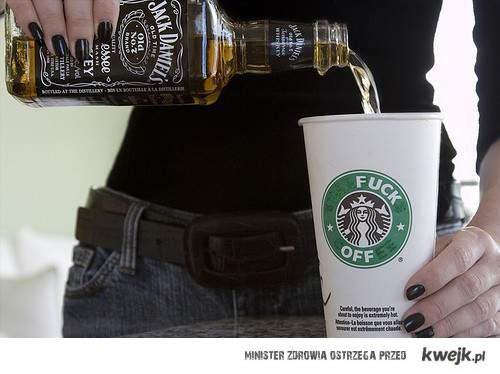 relaks z whiskey i starbucksem