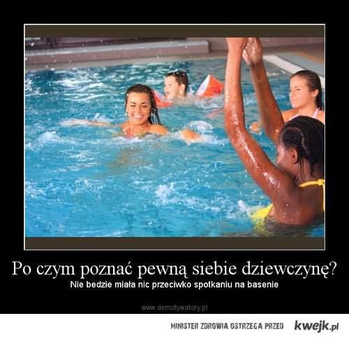 dziewczyna na basenie.
