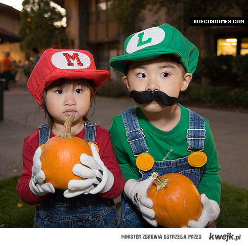 costumes ;3