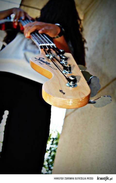 bass <3