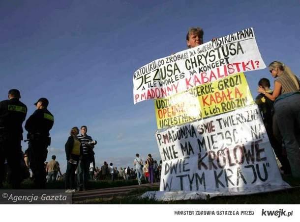 Protest przed koncertem Madonny