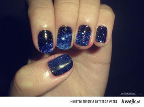 Kosmiczne paznokcie <3