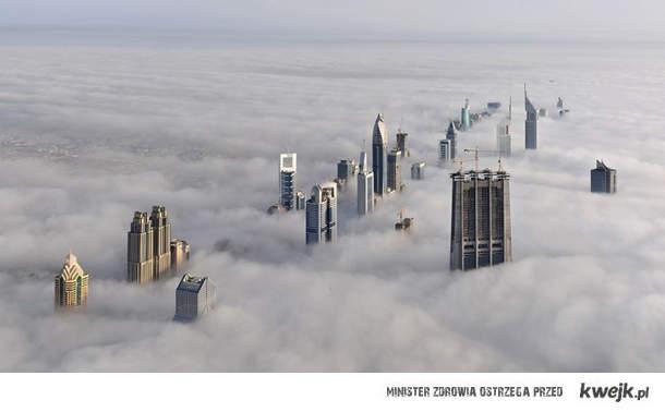 Zachmurzony Dubaj