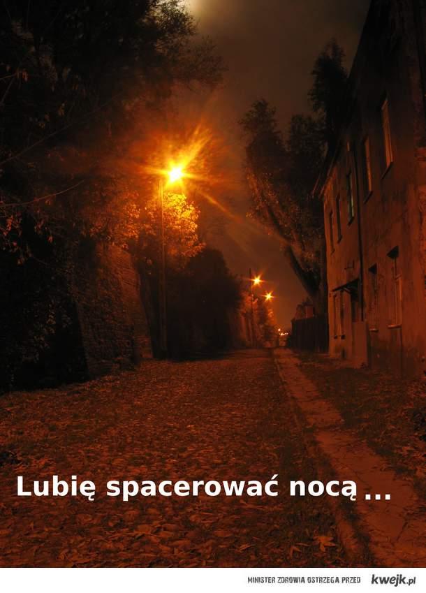 Spacery nocą
