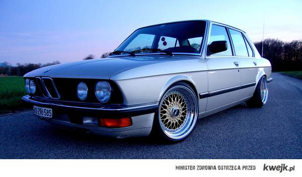 BMW E28 on BBS RC