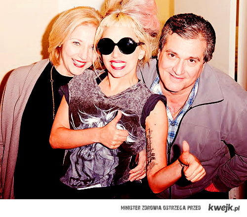 Gaga with mom and dad