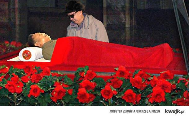 Kim Jong Il w trumnie
