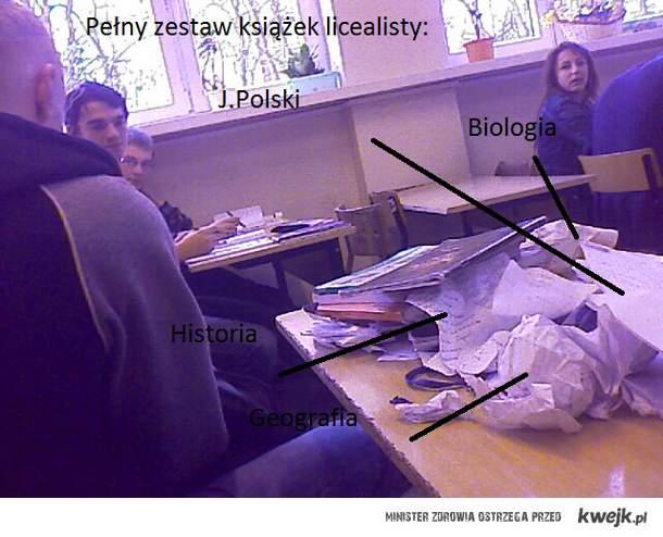 """""""Książki"""" szkolne"""