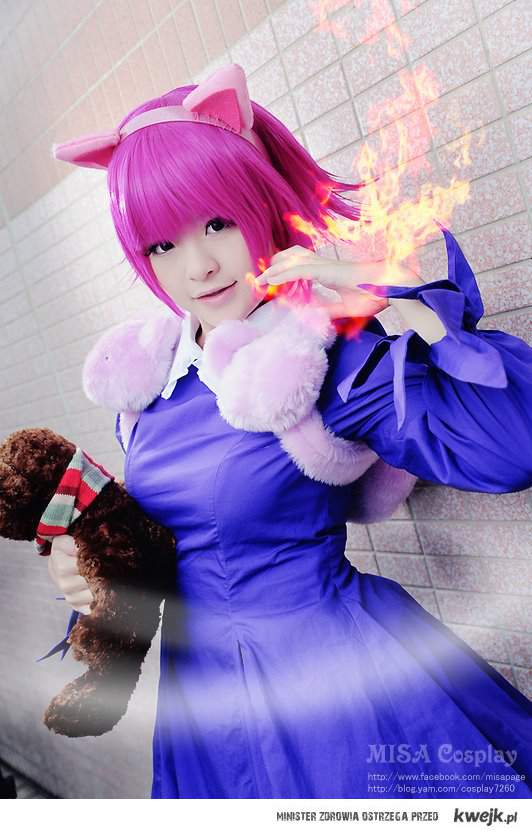 Annie playing with fire ^^
