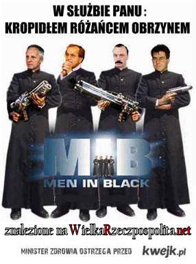 faceci w czerni