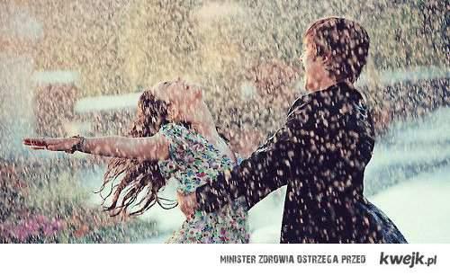Taniec w deszczu. <3