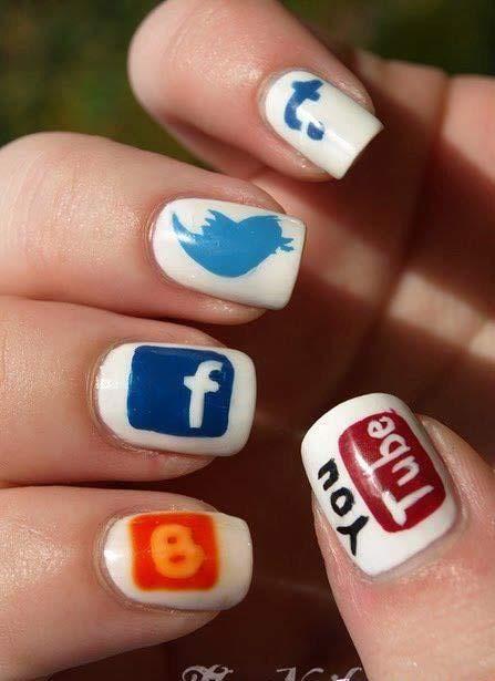społecznościowe paznokcie