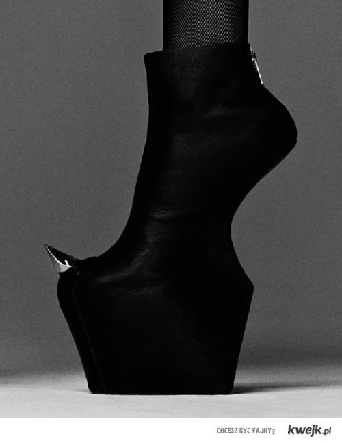 Gaga's boots