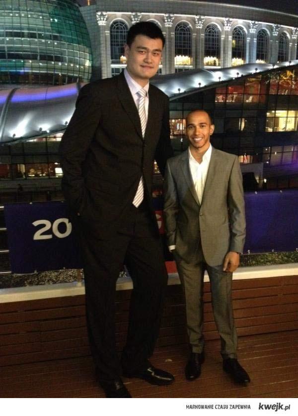 Yao Ming i Lewis Hamilton