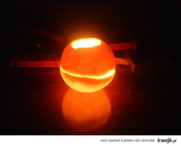 Świecąca pomarańcza.