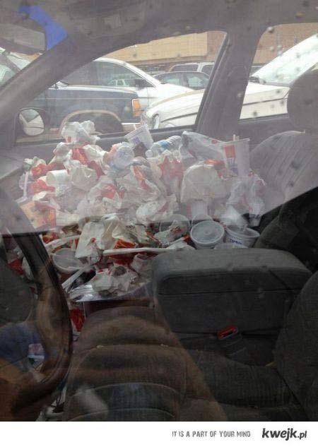Posprzątaj w samochodzie