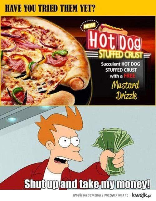 pizza nadziewana hotdogami
