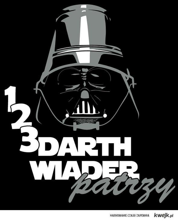 123 Darth Wiader patrzy