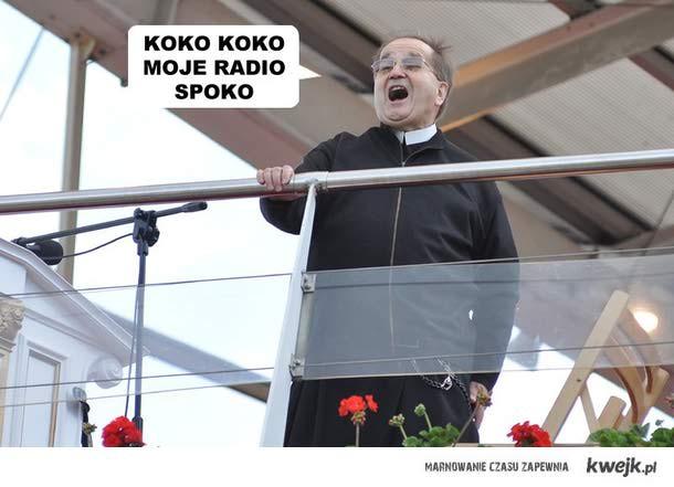 Z jasnogórskiego szczytu na Polskę całą głos Rydzyka rozbrzmiewa...