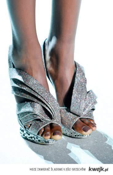 www.facebook.com/fashionaiting