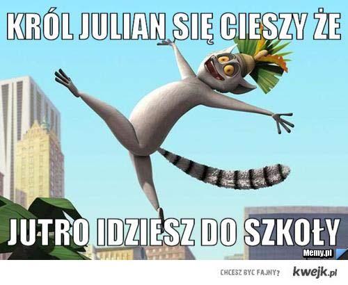 król Julian cieszy się