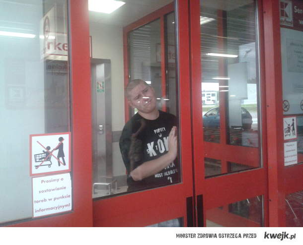 bug w drzwiach