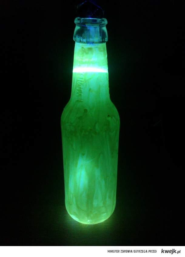 Green Glow Lamp