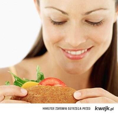 Dobrze, że kobiety mają okres, przynajmniej mogą usprawiedliwić tym fakt, że ciągle chce im się jeść
