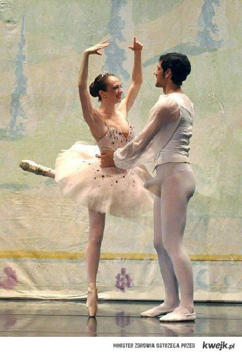 Podniecony tancerz :)